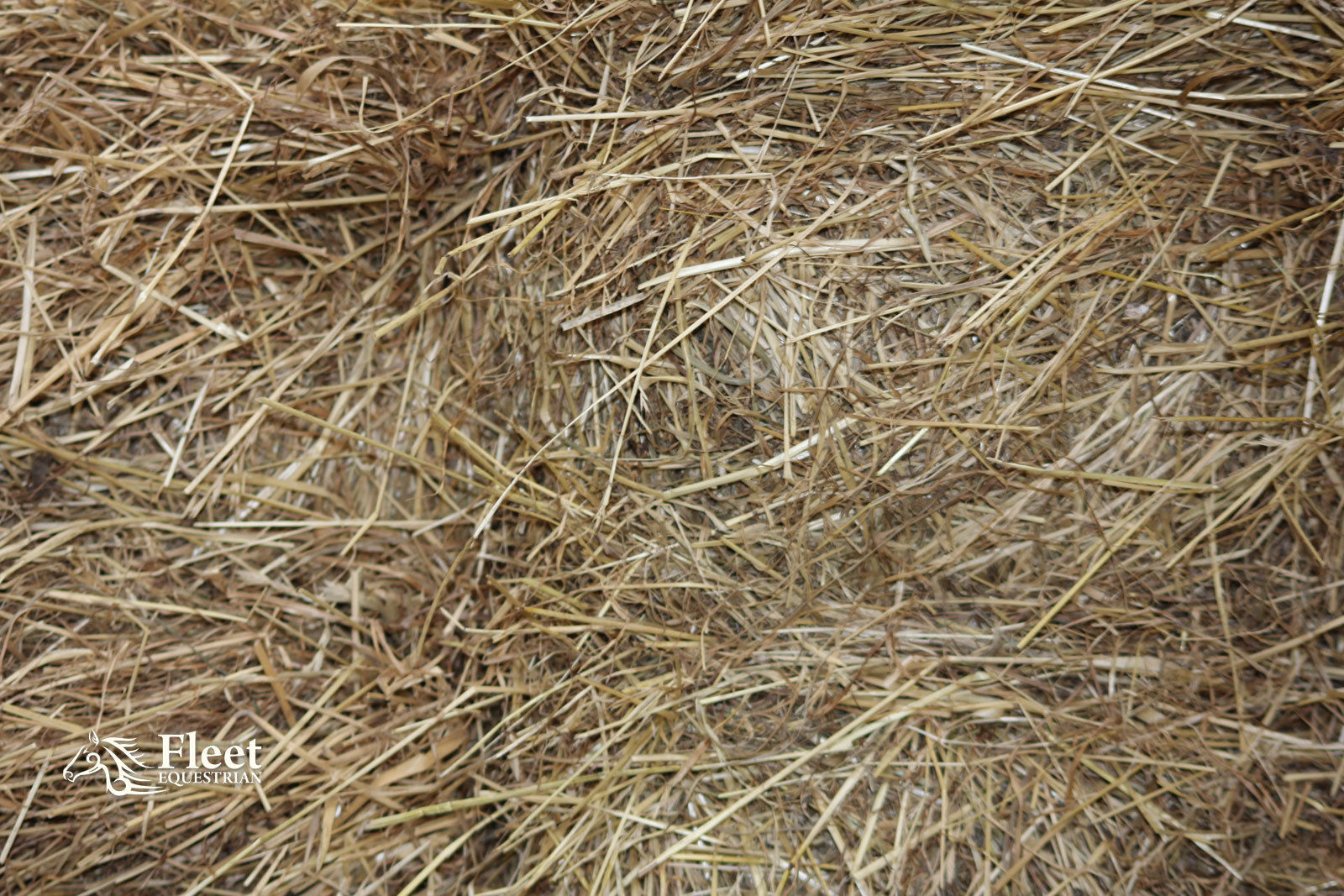 Hay Bale For Horses Approx 20kg 110x50x40cm Boxed